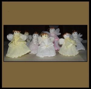 Aniołki z bibuły marszczonej
