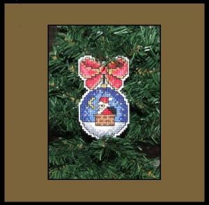 Choinka wyszywana na plastykowej kanwie - Mikołaj w kominie
