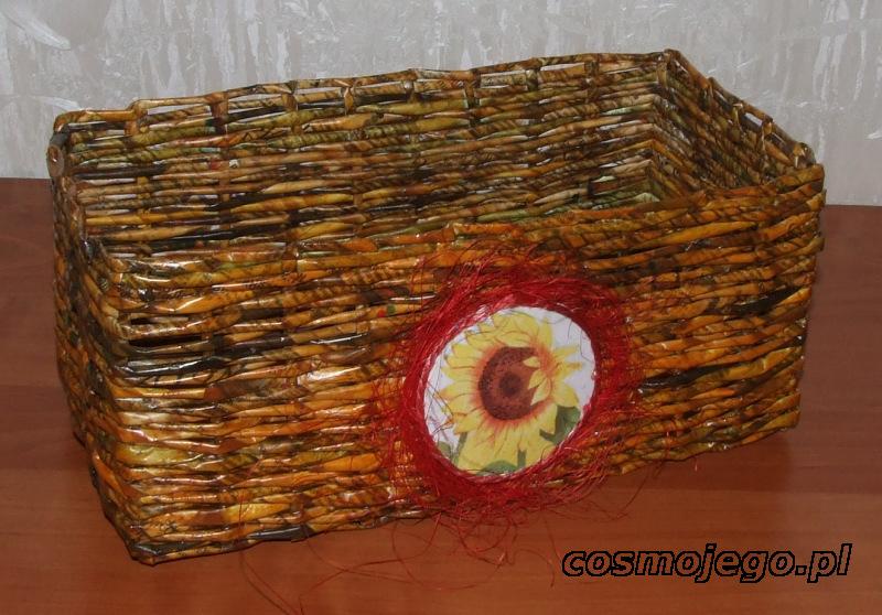 Koszyk z wikliny papierowej o wymiarach - szer.17 cm, dł.31 cm, wys.14cm
