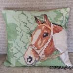 Poduszka haftowana - głowa konia