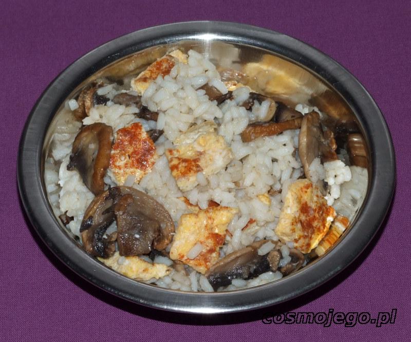 Ryż smażony z pieczarkami i jajkami