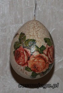 Jajko styropianowe ozdobione techniką decoupag