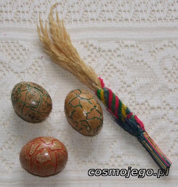 Wydmuszki ozdobione skorupkami z jajek