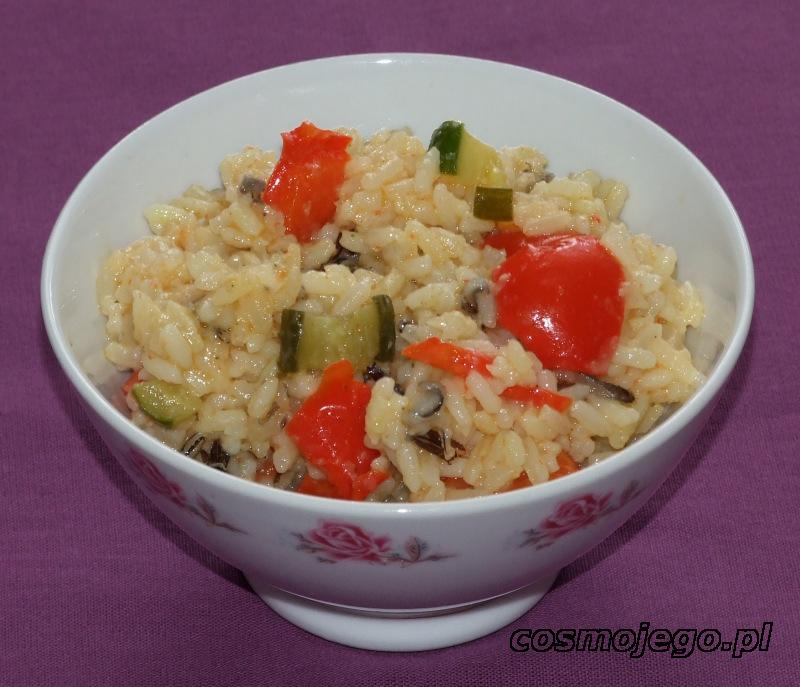 Ryż z papryką i ogórkiem