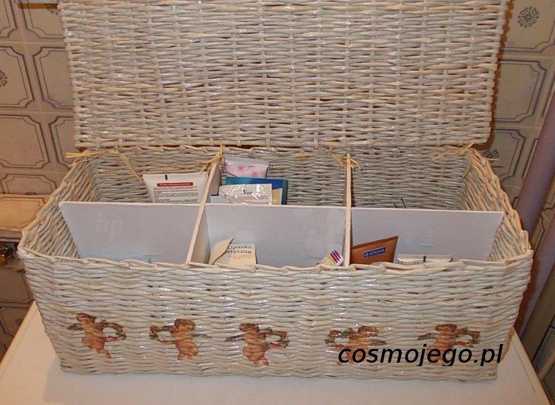 Koszyk z wikliny papierowej ozdobiony aniołkami