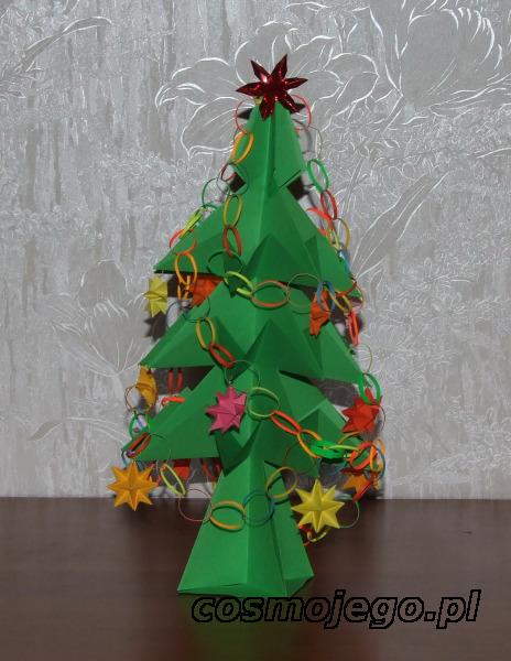 Choinka origami - ubrana