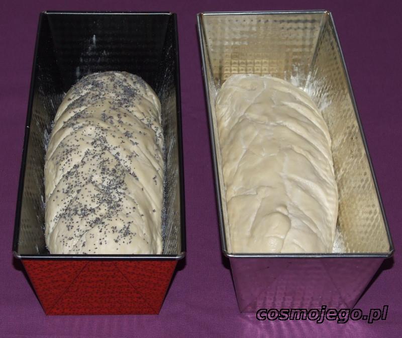 Chleb domowej roboty pozostawiony do wyrośnięcia